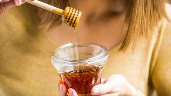 30 Manuka Honey Health Benefits and Uses of Manuka Honey