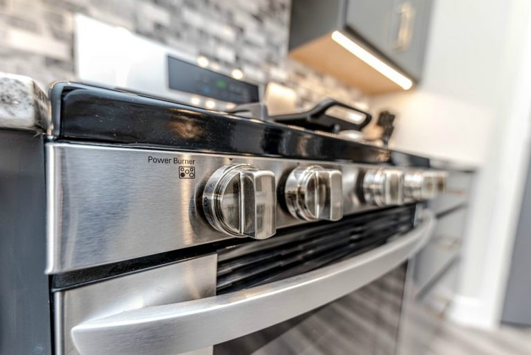 Best Rated Gas Ranges for the Home –  Buyer's Guide!