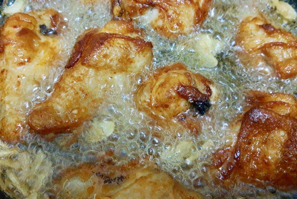 best oil for crispy fried chicken