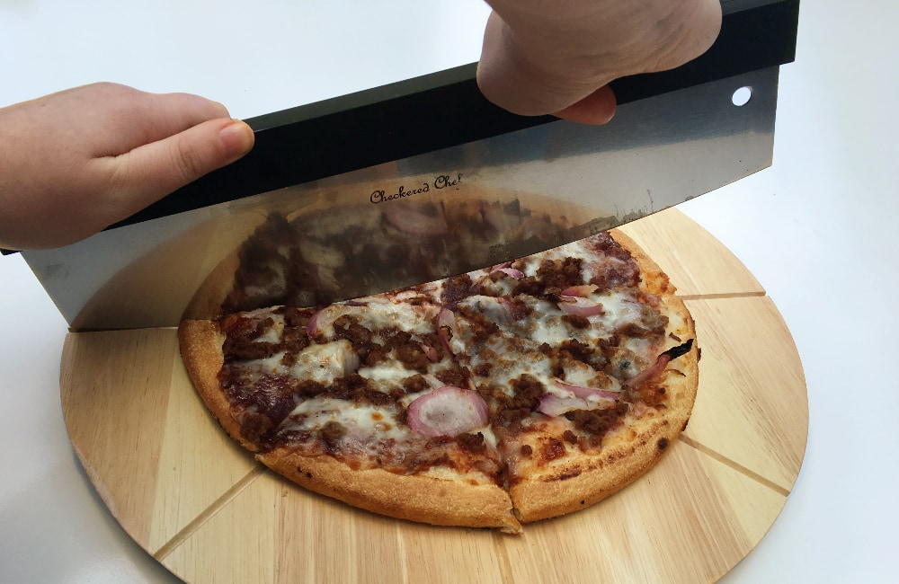 best type of pizza cutter to use
