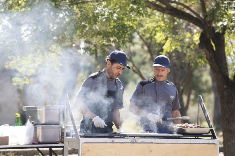 5 Tips for Cooking with BBQ Tables